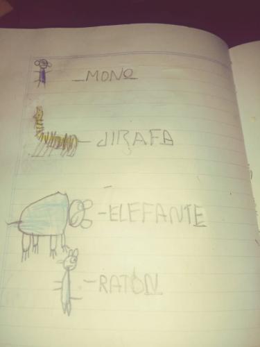 """Un niño de 1er grado escribe en torno a """"A que sabe la luna"""""""